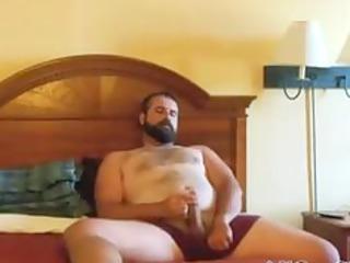 paja de oso barbudo bearded bear wanks inside bed