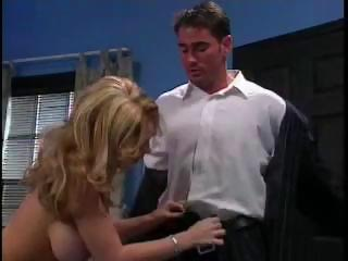 kiki daire takes it into the arse