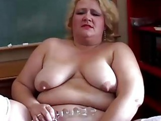 chubby lady lecturer has a sweet tiny wank