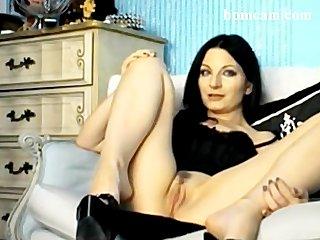 Hot babe on her webcam with brush - bpmcam (2)