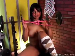 beautiful heavy young gangbangs her kitty and dolf