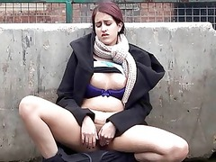 flashing indian young zarina massoud pissing into