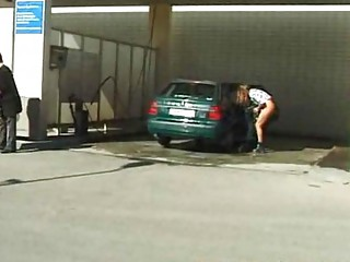 peeing at car wash